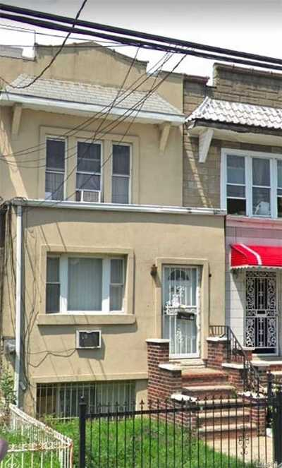 Astoria, Sunnyside, Woodside, Long Island City, Middle Village, Rego Park, Kew Gardens, Bayside, Jackson Heights, E. Elmhurst, Forest Hills, Maspeth, Ridgewood, Glendale Single Family Home For Sale: 25-42 100th St