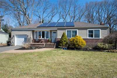 Greenlawn Single Family Home For Sale: 23 Sinclair Dr