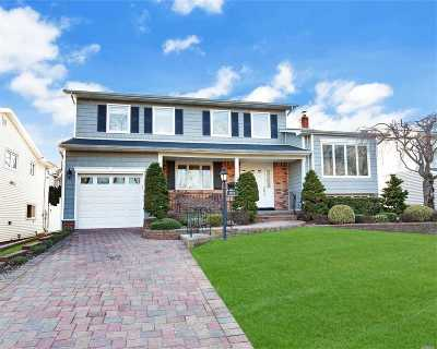 Wantagh Single Family Home For Sale: 1212 Flower Ln