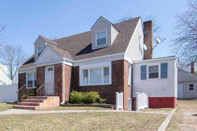 Roosevelt Single Family Home For Sale: 470 Brookside Ave