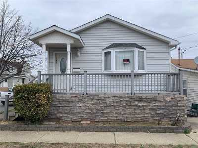 Single Family Home For Sale: 104 Williamson St