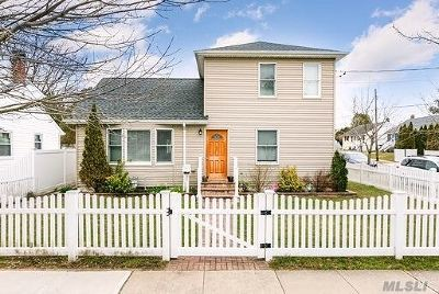Hicksville Single Family Home For Sale: 40 Kuhl Ave
