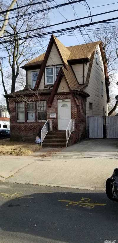 Middle Village Single Family Home For Sale: 8320 63 Ave