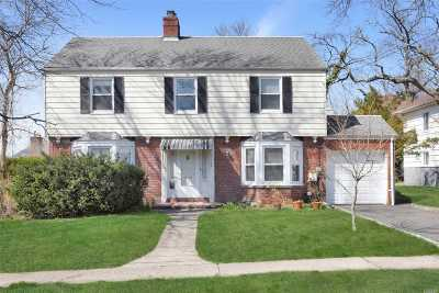 Great Neck Single Family Home For Sale: 19 Oxford Blvd