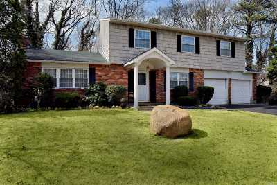 Farmingville Single Family Home For Sale: 27 Eva Ln