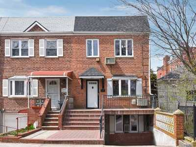 Middle Village Single Family Home For Sale: 66-10 71st St