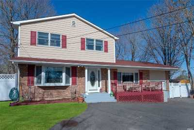 Sound Beach Single Family Home For Sale: 28 Cold Spring Dr