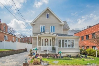 Little Neck Single Family Home For Sale: 45-22 251st St