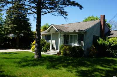 E. Quogue Single Family Home For Sale: 17 Hallock Rd