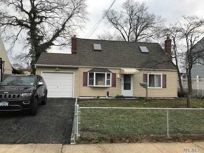 Massapequa Single Family Home For Sale: 87 Cleveland Ave