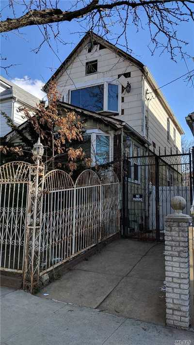 Astoria, Sunnyside, Woodside, Long Island City, Middle Village, Rego Park, Kew Gardens, Bayside, Jackson Heights, E. Elmhurst, Forest Hills, Maspeth, Ridgewood, Glendale Single Family Home For Sale: 26-21 94th St
