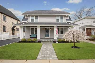 Lynbrook Single Family Home For Sale: 14 Lenox Ave