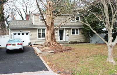 Smithtown Single Family Home For Sale: 2 Vernon Pl
