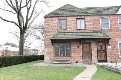 Middle Village Single Family Home For Sale: 6101 78th St