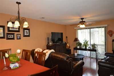 Amityville Condo/Townhouse For Sale: 615 Broadway #68