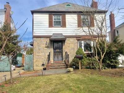 Bayside Single Family Home For Sale: 58-29 215th St