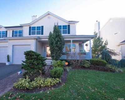 Melville Condo/Townhouse For Sale: 120 Rivendell Ct
