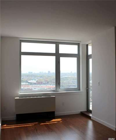 Flushing Condo/Townhouse For Sale: 40-28 College Point Blvd #1811