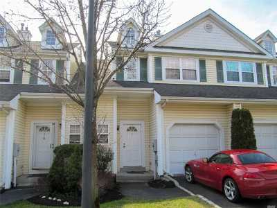 Smithtown Condo/Townhouse For Sale: 7 Chelsea Dr