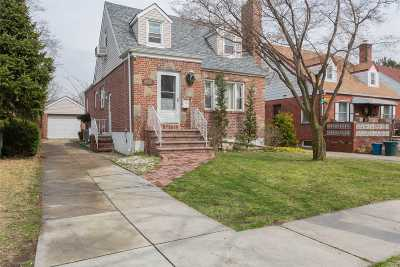 Bayside Single Family Home For Sale: 217-15 53 Ave