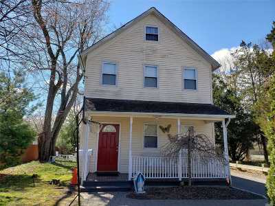 Huntington Single Family Home For Sale: 33 W 11th St