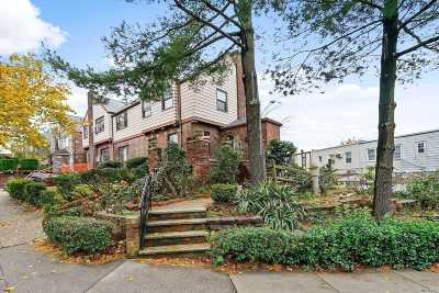 Maspeth Single Family Home For Sale: 63-12 53rd Dr
