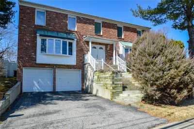 Plainview Single Family Home For Sale: 42 Sunnyside Blvd
