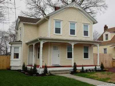 Patchogue Single Family Home For Sale: 59 Amity St