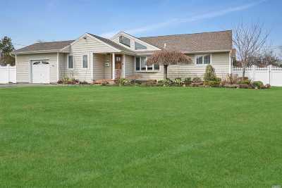 Massapequa Single Family Home For Sale: 114 Ocean Ave