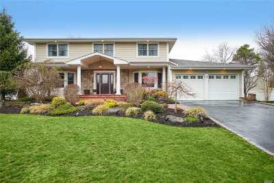 Dix Hills Single Family Home For Sale: 15 Winmere Pl
