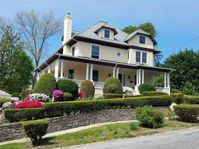 Douglaston Single Family Home For Sale: 129 Ridge Rd