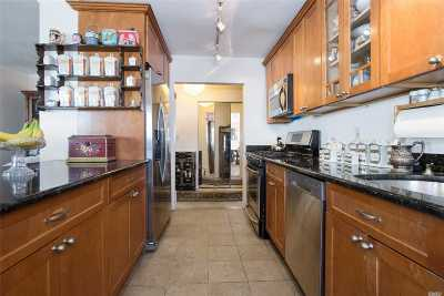 Long Beach NY Co-op For Sale: $625,400