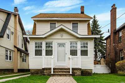Lynbrook Single Family Home For Sale: 115 President St