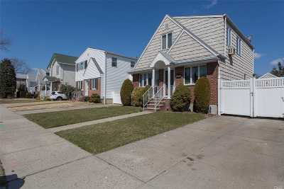 Whitestone NY Single Family Home For Sale: $898,888