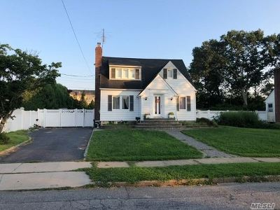 East Meadow Single Family Home For Sale: 1704 Noble St