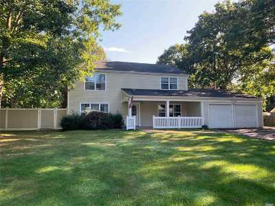Stony Brook Single Family Home For Sale: 14 Stratton Ln