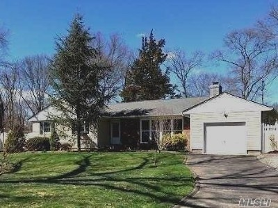 Lake Grove Single Family Home For Sale: 15 Renown St