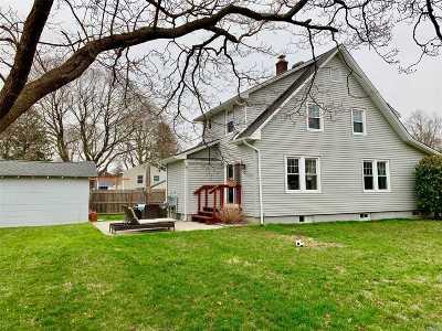 Kings Park Single Family Home For Sale: 285 Pulaski Rd