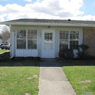 Ridge Condo/Townhouse For Sale: 273a Berwick Ct #A