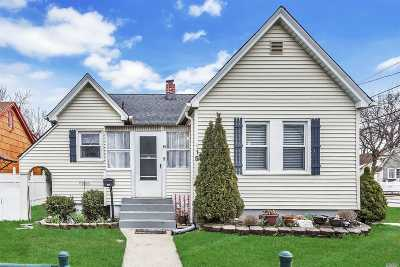 Freeport Single Family Home For Sale: 115 Westend Ave