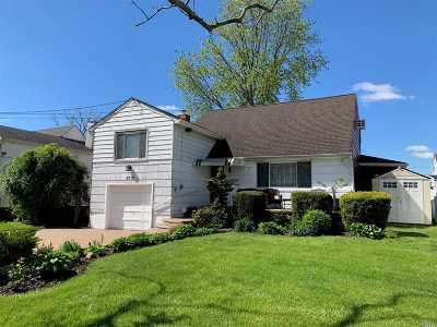 Oceanside Single Family Home For Sale: 3512 Bayfield Blvd