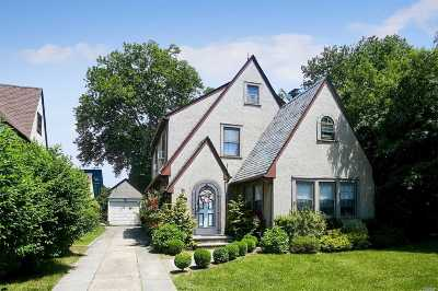 W. Hempstead Single Family Home For Sale: 62 Argyle Road
