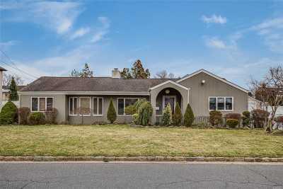 Massapequa Single Family Home For Sale: 50 Lagoon Blvd