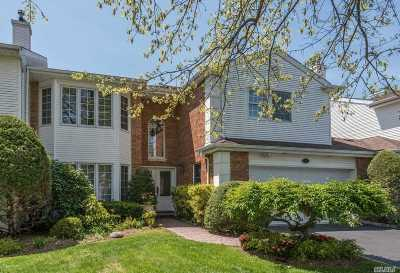 Commack Condo/Townhouse For Sale: 45 Hamlet Dr
