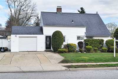 Levittown Single Family Home For Sale: 88 Prentice Rd