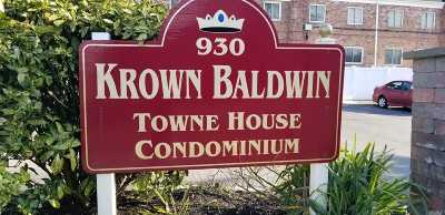 Baldwin Condo/Townhouse For Sale: 930 Merrick Rd