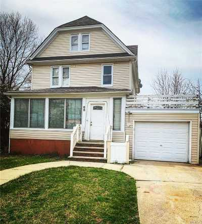 Freeport Single Family Home For Sale: 68 East Ave