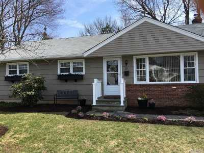 Huntington Sta Single Family Home For Sale: 22 Sprucetree Ln