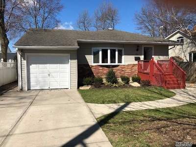 Wantagh Single Family Home For Sale: 1870 Cornelius Ave
