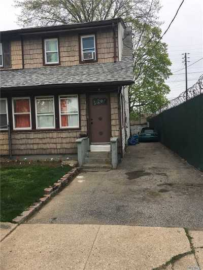 Queens County, Nassau County Single Family Home For Sale: 120 Commercial St